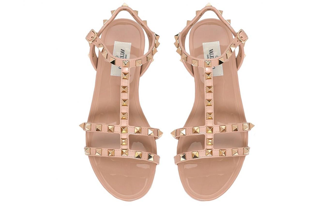 Chaussure de luxe pour femme Valentino Sandale Rockstud en PVC caoutchouc nude