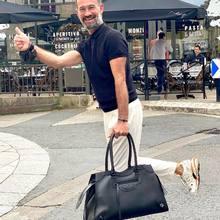 First step pour partir en vacances avoir un bon bagage !!  Que pensez-vous de ce Classic Neo City oversized en baggage cabine ou week-end et qui peut même se transformer en baggage travail !!   #balenciagacitybag #balenciagashoes #lolo #perfectguy #parenthesebordeaux